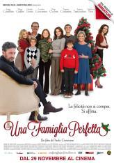 UNA FAMIGLIA PERFETTA, Italian poster, from left: Sergio Castellitto, Carolina Crescentini (rd),
